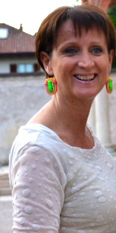 Barbara  wearing Anna's made in London earrings for Scicche www.scicche.it