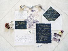 marbled watercolor inserts and swooping gold calligraphy on wedding invitation and stationery - gothic + Halloween wedding inspiration Beautiful Wedding Invitations, Wedding Invitation Suite, Floral Wedding Invitations, Wedding Stationery, Wedding Place Cards, Wedding Paper, Wedding Calligraphy, Gold Calligraphy, Wedding Shoot