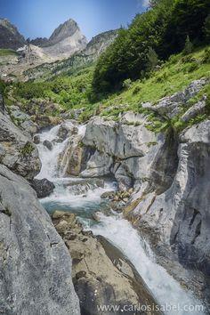 Cascada en Pirineos