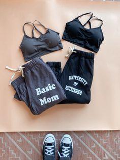 New to Mom Culture #basicmom #universityofmoyherhood #joggers