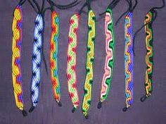 Friendship Squiggle pattern. Beginner. www.myfbm.com #friendshipbracelets