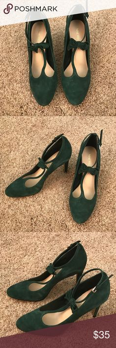 Nine West Emerald Suede Heels Nine West. Emerald Heels. Size 10. Suede. Excellent condition! Gently worn. 4 inch heels. Ankle strap with bow detailing. Nine West Shoes Heels