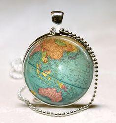 Vintage Globe Necklace Planet Earth World door MissingPiecesStudio, $9.95