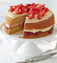 Treat yourself to a slice of this vegan-friendly Victoria sponge, filled with a generous layer of vegan vanilla buttercream and strawberry jam. | Tesco