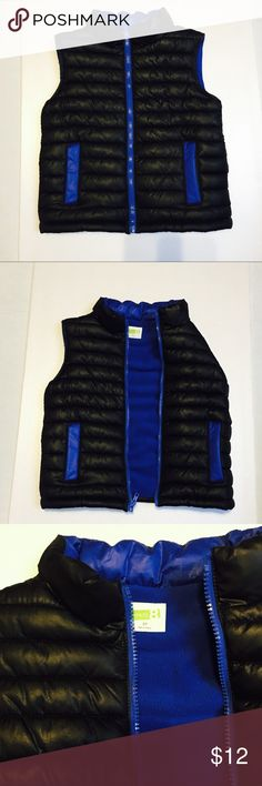 Crazy 8 puffer vest . Boys 5T Fully lined. Crazy 8 puffer vest . Boys 5T Fully lined. In great condition . crazy 8 Jackets & Coats Puffers