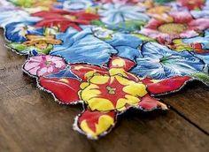 Resultado de imagem para jogos americanos com flores de chita recortadas