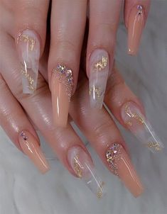 Modern Nail Style Ideas to Try In 2020 in 2020 Modern Nail Style Ideas to Try In 2020 in 2020 Bling Acrylic Nails, Acrylic Nails Coffin Short, Square Acrylic Nails, Summer Acrylic Nails, Best Acrylic Nails, Pink Nails, Summer Nails, Summer Stiletto Nails, Nail Bling