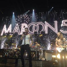 Maroon 5 yeah my man with no shirt on yippee tayotiyay Music Stuff, My Music, Imaginary Boyfriend, Adam Levine, Maroon 5, Man Crush, Im In Love, Goddesses, Famous People