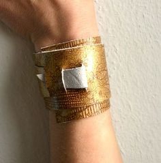 Picture of ♥DIY NO TOOLS (2 MINUTS) LEATHER CUFF♥