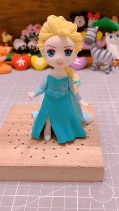 Polymer Clay Disney, Cute Polymer Clay, Cute Clay, Polymer Clay Dolls, Polymer Clay Projects, Diy Clay, Polymer Clay Princess, Polymer Clay Figures, Clay Crafts For Kids