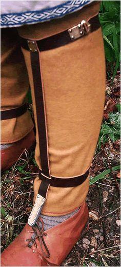 NOW the Arnegunde straps make sense to me....  Kleidung der Bajuwaren in der Merowingerzeit: