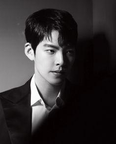 Who is this gentleman? This is k star kim woo bin Korean Actresses, Asian Actors, Korean Actors, Actors & Actresses, Kim Woo Bin, Uncontrollably Fond, Instyle Magazine, Cosmopolitan Magazine, Netflix