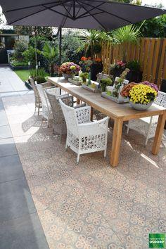 Back Garden Design, Modern Garden Design, Backyard Garden Design, Small Backyard Landscaping, Terrace Garden, Garden Spaces, Diy Garden Decor, Terrace Tiles, Garden Tiles