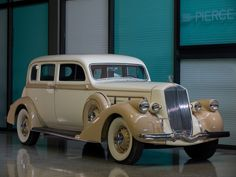 Pierce-Arrow Deluxe 8 Touring Sedan 1936.