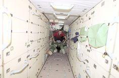 Interior_of_Zarya_ISS_module.jpg 3,032×2,000 pixels