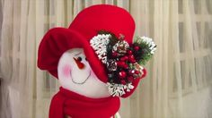 SEÑORA NIEVE|ARTE JESICA Christmas Gnome, Christmas 2019, Doll Videos, Holiday Crafts, Holiday Decor, Navidad Diy, Bear Doll, Diy Weihnachten, 4th Of July Wreath