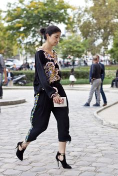 Gorgeous Street Style From Paris Fashion Week   StyleCaster
