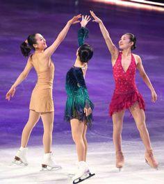 Mao Asada & Akiko Suzuku & Kanako Murakami / Figure skaters.