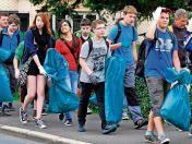 Rund 200 Mädchen und Jungen der Luther-Regelschule schwärmten am Mittwoch in Zella-Mehlis und Oberhof aus, um die Umgebung von Unrat zu befreien.