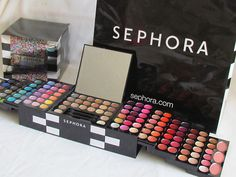 Want this!!! Sephora Color Daze Blockbuster Makeup Palette Limited Edition