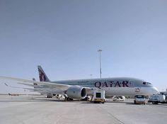 Qatar Airways B787-8 nr 25 A7-BCY on display at the Dubai Airshow 2015 - pic by iwhelan (Instagram)