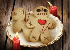Voodoo Doll Desserts - The Cursed Cookies Cookie Cutter is Perfect for Any Seance (GALLERY)