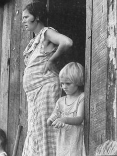 reminds me of old timey Appalachia photos