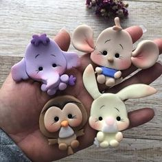 Newest Pic clay ornaments disney Thoughts polymer clay Fimo Polymer Clay, Polymer Clay Ornaments, Polymer Clay Figures, Polymer Clay Animals, Polymer Clay Projects, Polymer Clay Creations, Clay Crafts, Polymer Clay Jewelry, Fondant Figures