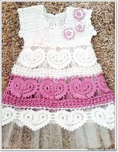 crochelinhasagulhas: Vestido em crochê com corações para menina