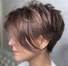 The Short Pixie Cut - 20 Great Haircuts You'll See for 2019 - Copper Color Hair - August 24 2019 at Pixie Haircut For Thick Hair, Short Hairstyles For Thick Hair, Short Hair With Layers, Short Pixie Haircuts, Short Hair Cuts, Bob Hairstyles, Short Hair Styles, Pixie Cuts, Hairstyle Names