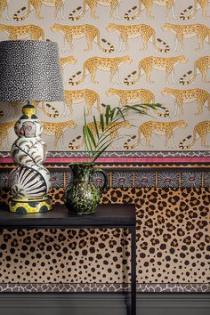This striking leopard spot Zulu Border by Cole & Son forms part of the new Ardmore Collection. Inspired by the pedestal base of a ceramic base, Zulu Border has been created to be hung horizontally Decor, Interior, Ardmore, Wallpaper, Deco, Wallpaper Border, Home Decor, Designer Wallpaper, Cole And Son Wallpaper