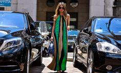 Erica Pelosini, musa dello street style italiano, ama indossare Balmain, Puglisi, Christian Louboutin e Giuseppe Zanotti. Il suo stile è chic e bohémien.