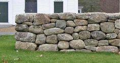 Resultado de imagen de how to build a dry stone wall Dry Stack Stone, Stacked Stone Walls, Dry Stone, Brick And Stone, Rock Wall Gardens, Rock Retaining Wall, Stone Porches, Stone Cabin, Rock Yard