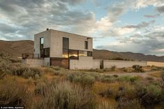 award-winning minimalist concrete, steel and glass home, Outpost designed by Olson Kundig