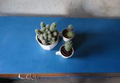 Metamorfoza komody Retro Basset z lat 60 - tych - Rub & Paint Planter Pots, Retro, Painting, Vintage, Painting Art, Paintings, Vintage Comics, Retro Illustration, Painted Canvas