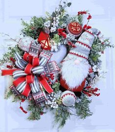 Beautiful and Modern Artificial Christmas Wreaths - Live Enhanced