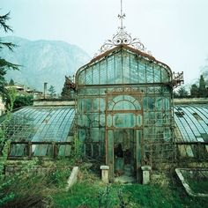 Abandoned Victorian Style Greenhouse, Villa Maria, in northern Italy near Lake Como. Photo taken in 1985 by Friedhelm Thomas. #steampunktendencies #steampunk #victorian #Design #architecture #abandoned #greenhouse