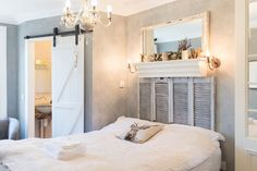 House in Dublin, Ireland. This gorgeous room with en-suite is located in a Victorian home, on a quiet street, close to bus stops & walking distance from the city. It's perfect for two people with everything you'd need for a cosy stay. 3 people & a golden retriever live her...