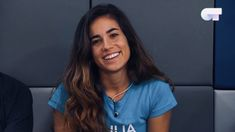 Julia, Long Hair Styles, People, Gay, Beauty, Blue T Shirt, Friday, Backgrounds, Long Hairstyle