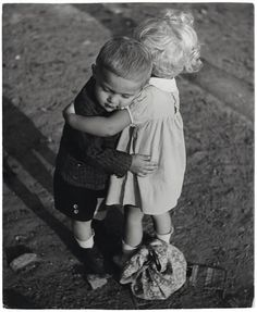 Children of the Czechoslovak Republic, ca. photo by Frank Pekar (? Baby Massage, Circo Steampunk, Photo Calin, Adorable Petite Fille, Free Hugs, Expo, Sweet Couple, Historical Photos, Aesthetic Pictures