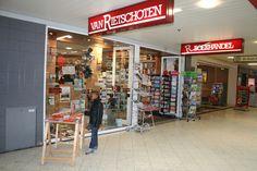 De ingang naar Boekhandel van Rietschoten op Keizerswaard, foto bij verslag van The Book Detectives