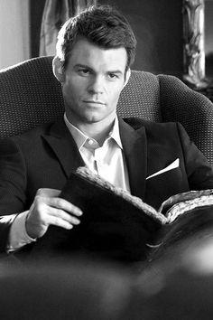 "Elijah from ""The Originals"" (and ""The Vampire Diaries"" Serie Vampire Diaries, Vampire Diaries The Originals, Daniel Gillies, Damon Salvatore, Elijah The Originals, Post Mortem, Original Vampire, My Sun And Stars, Tv Shows"
