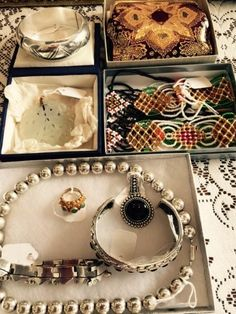 Lovely accessories  New Divide & Conquer sale starting this Thursday, March 3-5; check out the details here:  http://divideandconquerofeasttexas.com/nextsales.php  #estatesales #consignments #consignment #tyler #tylertx #tylertexas #organizing #organizers #professionalorganizer #professionalorganizers #movingsale #movingsales #moving #sale #divideandconquer #divideandconquerofeasttexas #divideandconquereasttexas #marthadunlap #martha #dunlap