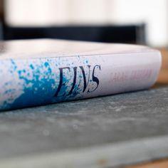 """Buchempfehlung: """"Eins"""" von Sarah Crossan"""