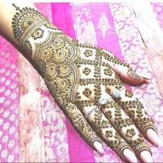 Just Browse here and see the Latest Ideas & Designs of Mehndi to make your hand and finger more beautiful. Mehndi Design by Heena Paradise Engagement Mehndi Designs, Latest Bridal Mehndi Designs, Back Hand Mehndi Designs, Simple Arabic Mehndi Designs, Mehndi Designs For Girls, Wedding Mehndi Designs, Beautiful Henna Designs, Latest Mehndi Designs, Unique Henna