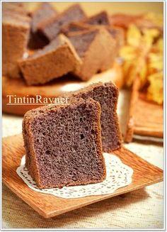 Chiffon Ketan Hitam aka Black Glutinous Rice Chiffon Cake empuk legit ^__^ Bolu Cake, Indonesian Desserts, Resep Cake, Asian Cake, Bread Cake, Chiffon Cake, Rice Cakes, No Bake Desserts, Cake Cookies