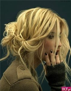 Love this messy up do.