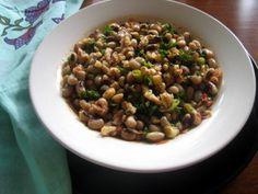 turkish food is the best >> Gaziantep Style Black-Eyed Peas Salad (Loğlaz Piyazı) #recipe