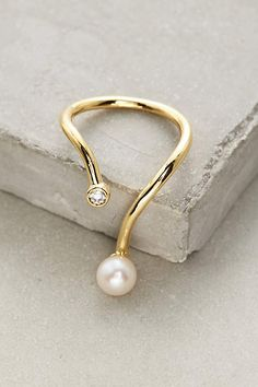 I've been feeling really girlie lately, and this Gold Philosophy pearl ring … - Pearl Jewelry Pandora Jewelry, Pearl Jewelry, Diamond Jewelry, Jewelry Rings, Silver Jewelry, Jewelry Accessories, Jewelry Design, Pearl Bracelets, Pearl Rings