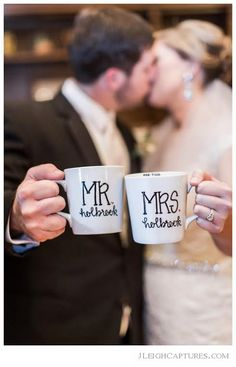 Mr and Mrs Customized Coffee Mugs Wedding Gift door GreySkiesBlue